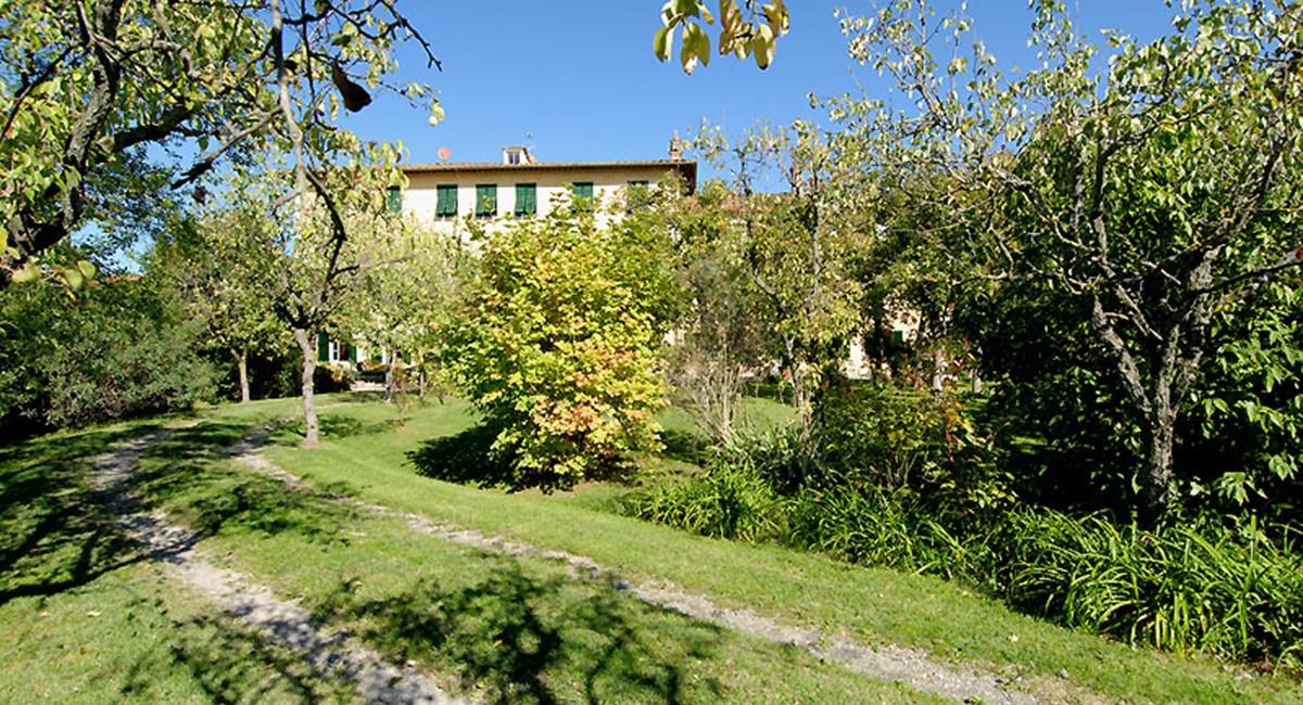villa-lucca-garden1.jpg