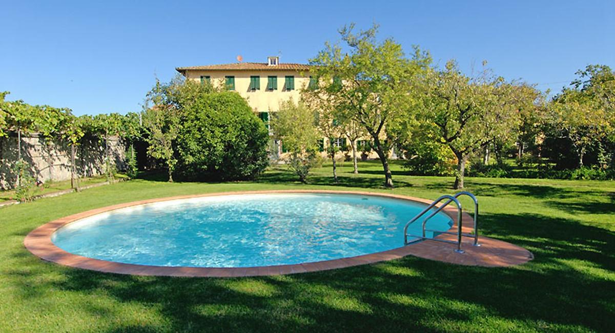 Villa-Luisa-Lucca-pool.jpg