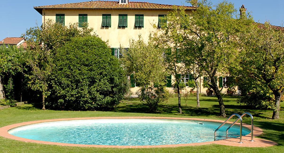villa.luisa-lucca-swimmingpool1.jpg