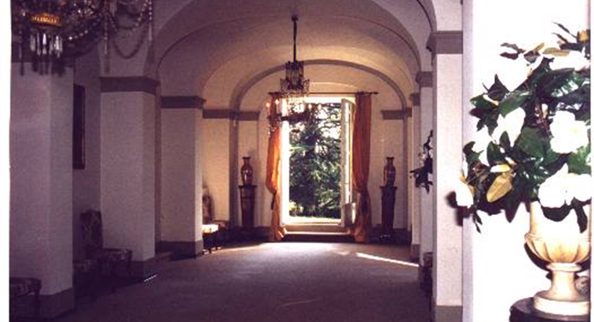 Lucca Luxury villa Tuscany for weddings and banquets (2).jpg
