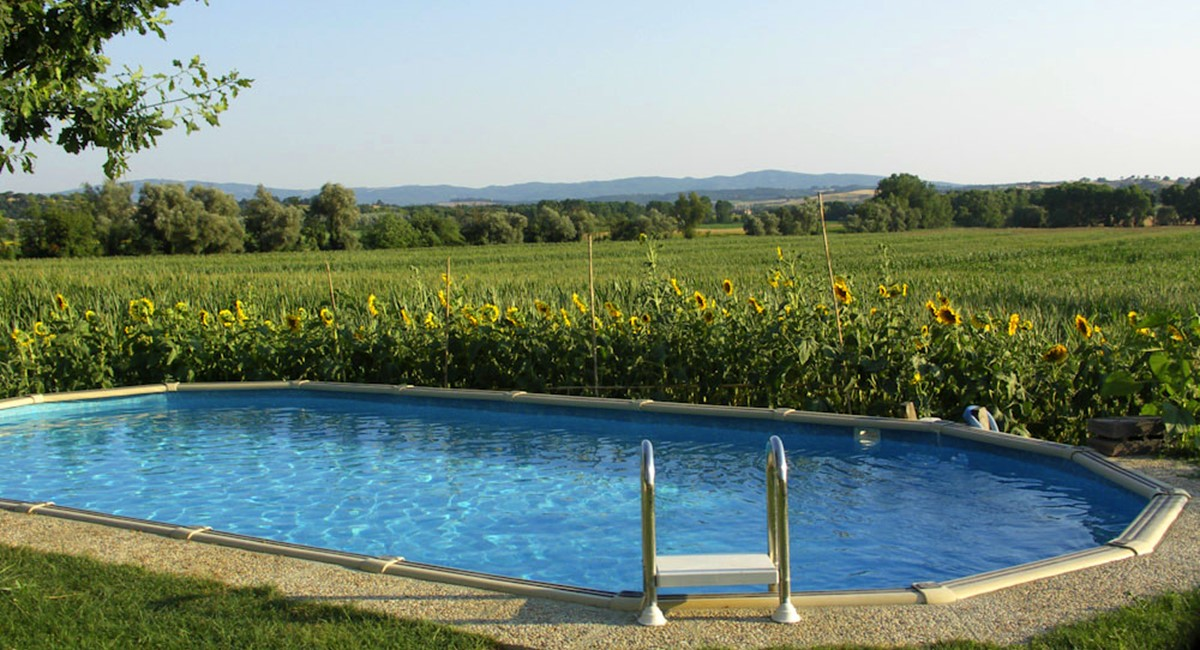 Farmhouse in Siena with swimming pool (4).jpg