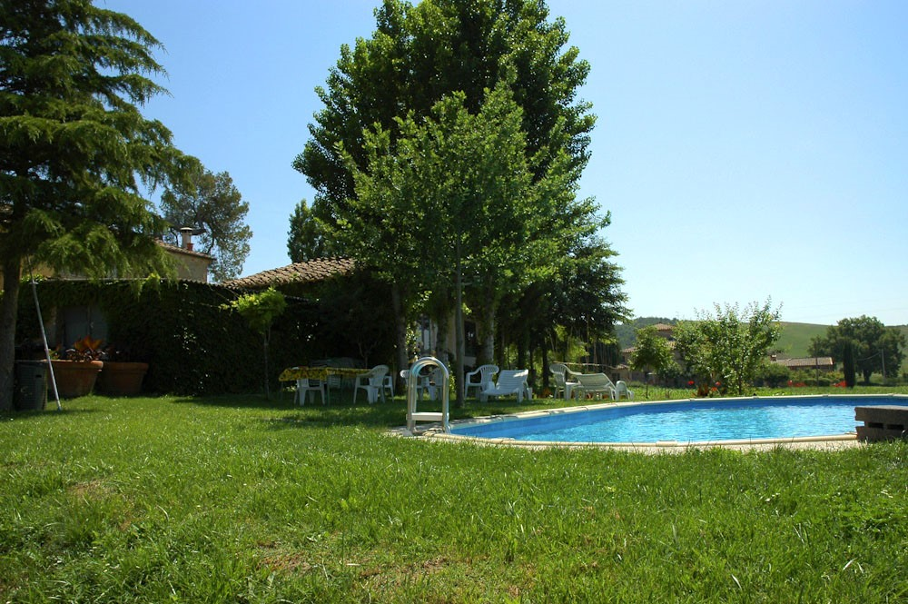 Farmhouse in Siena with swimming pool (7).jpg