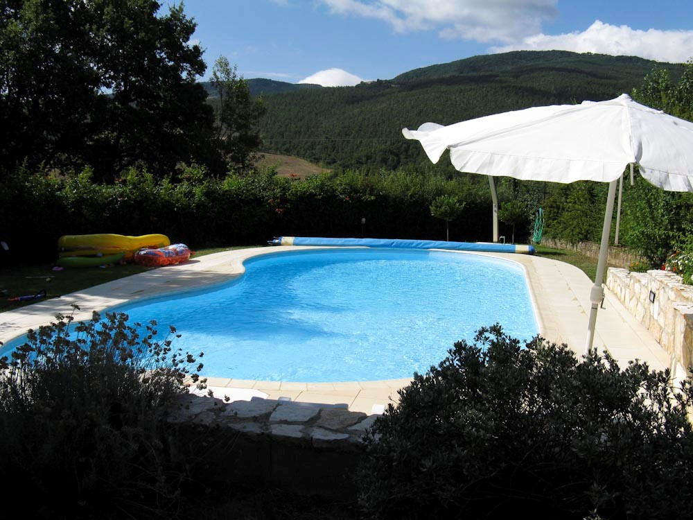Farmhouse siena with pool (8).jpg