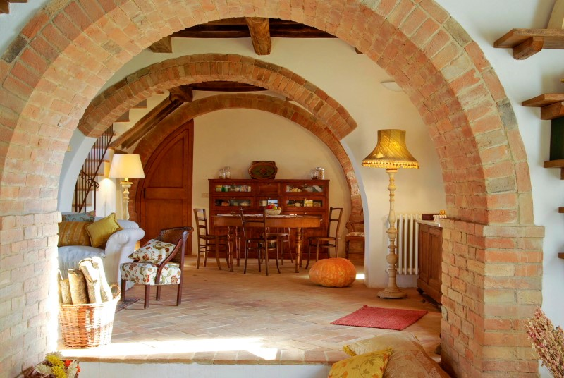 Oak Beam Farm house Siena (28).JPG