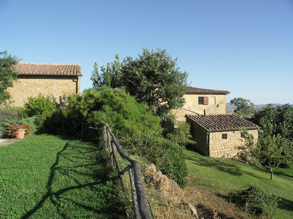 independant house near pienza (1).jpg