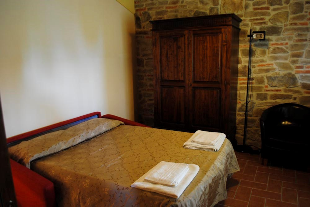 Arezzo house sleeps 12 people (3).jpg