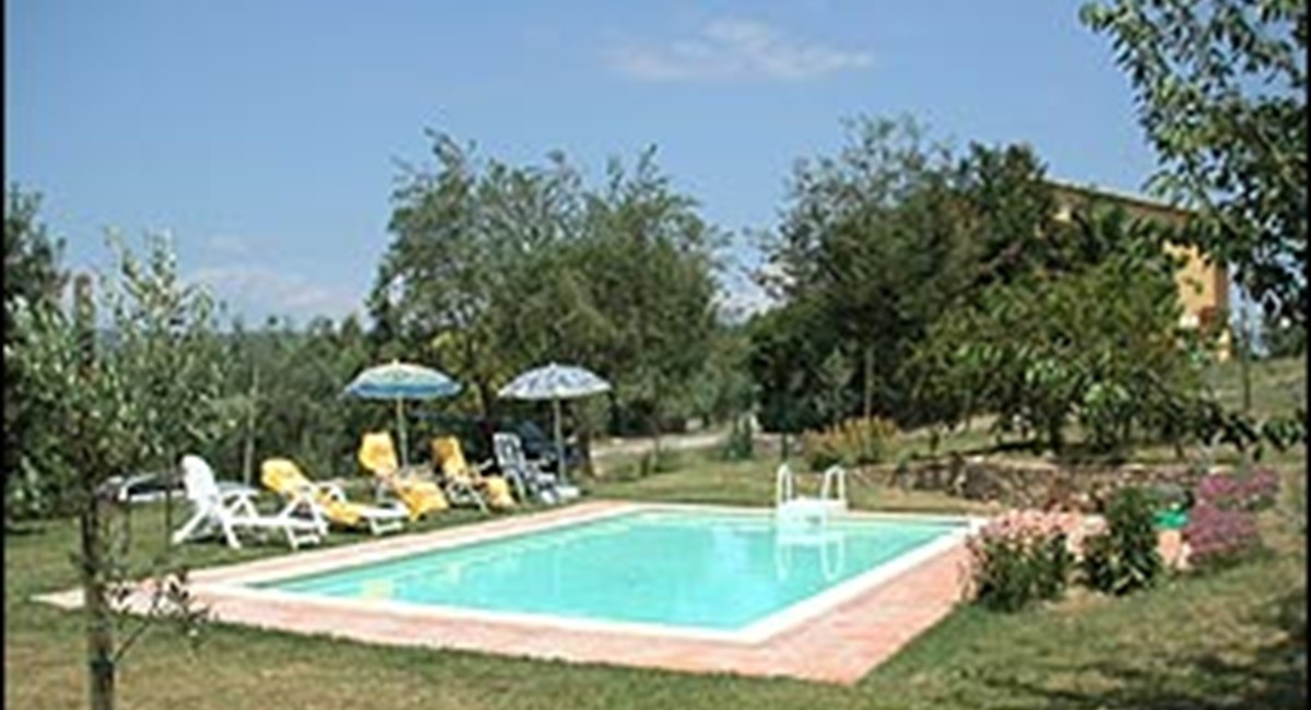 Arezzo house with pool (19).jpg