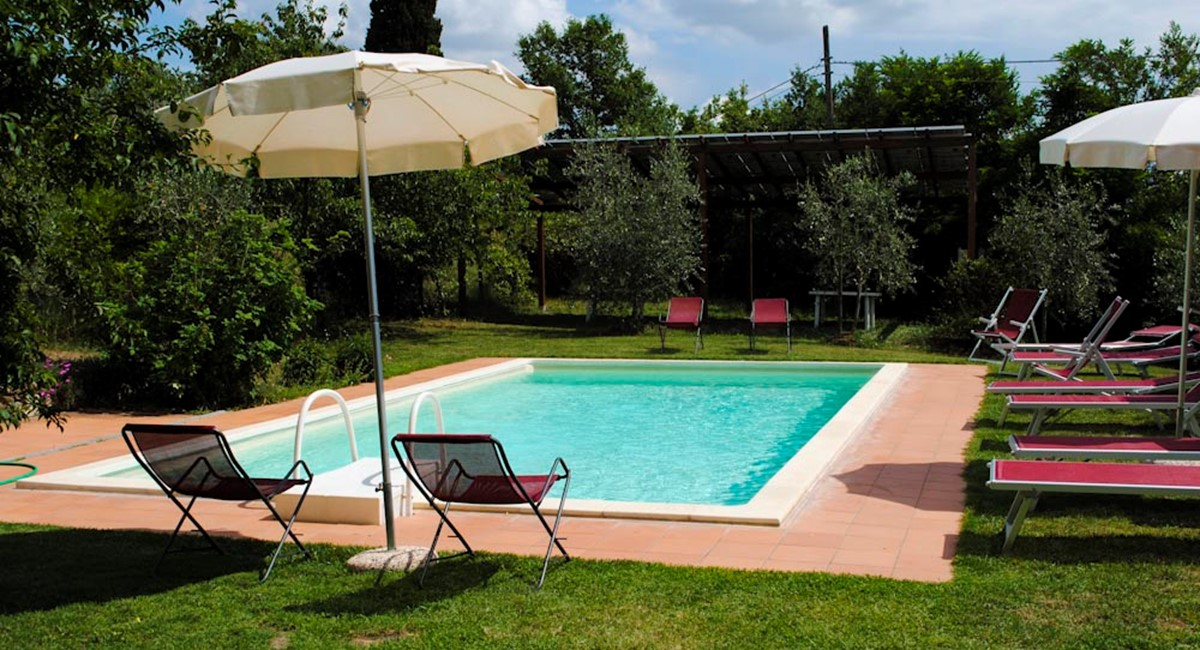 House in Arezzo swimming (2).jpg