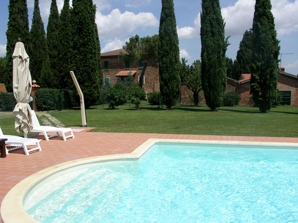 Villa Perugia with fenced swimming pool (2).jpg