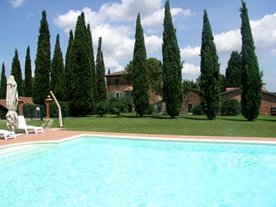 Villa Perugia with fenced swimming pool (3).jpg