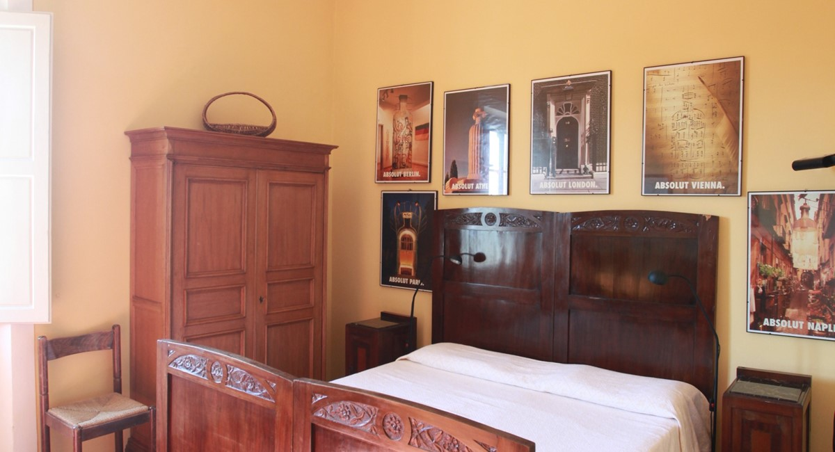 A villa 10 minutes from Florence city centre sleeps 10 people (14).JPG