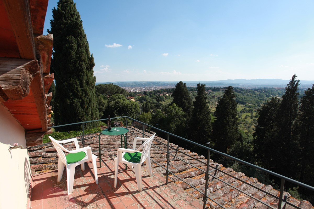 A villa 10 minutes from Florence city centre sleeps 10 people (20).JPG
