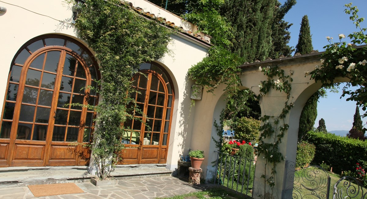 A villa 10 minutes from Florence city centre sleeps 10 people (23).JPG