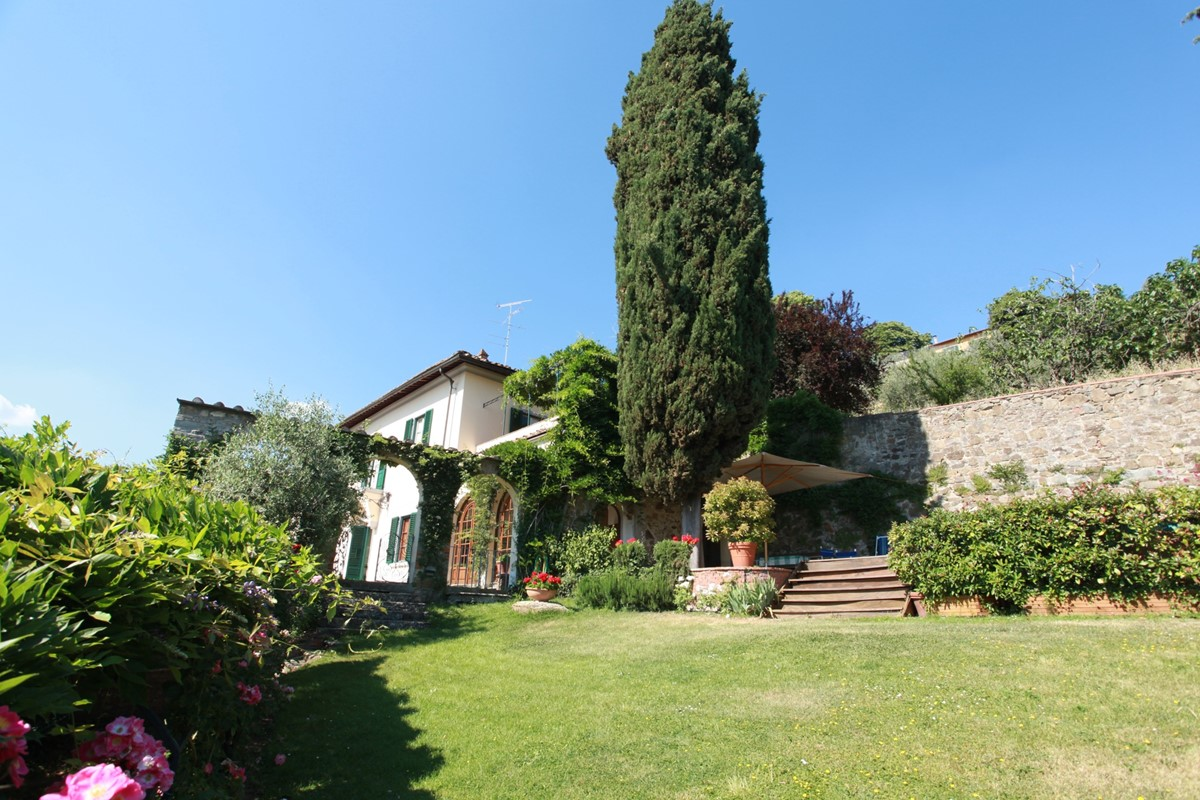 A villa 10 minutes from Florence city centre sleeps 10 people (24).JPG