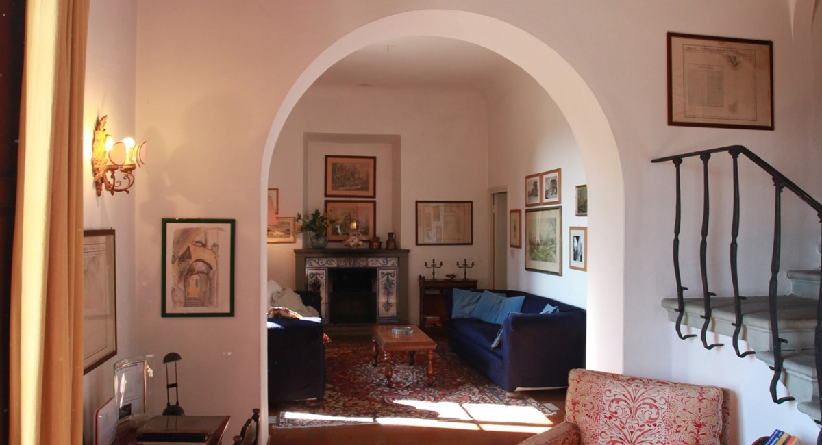 A villa 10 minutes from Florence city centre sleeps 10 people (30).JPG