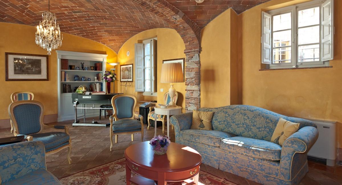 Luxury 12 Bedroom Lucca Villa With Italian Gardens Antique