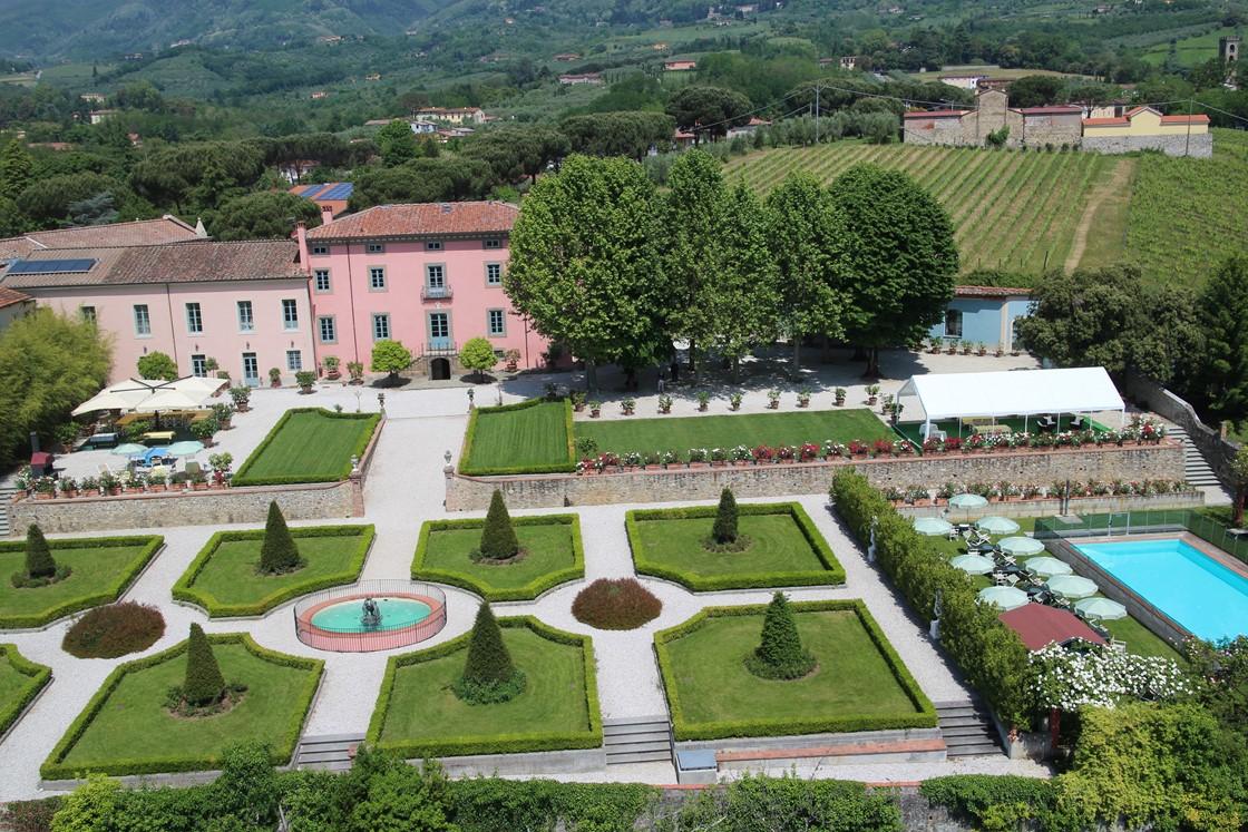 Luxury Villa Camaoire Lucca Italy 1
