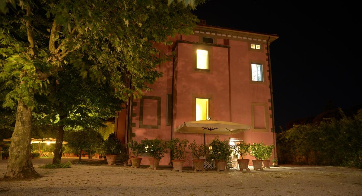 Luxury Villa Camaoire Lucca Italy 10