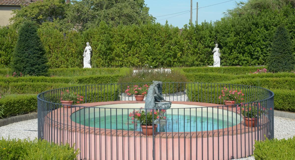 Luxury Villa Camaoire Lucca Italy 13