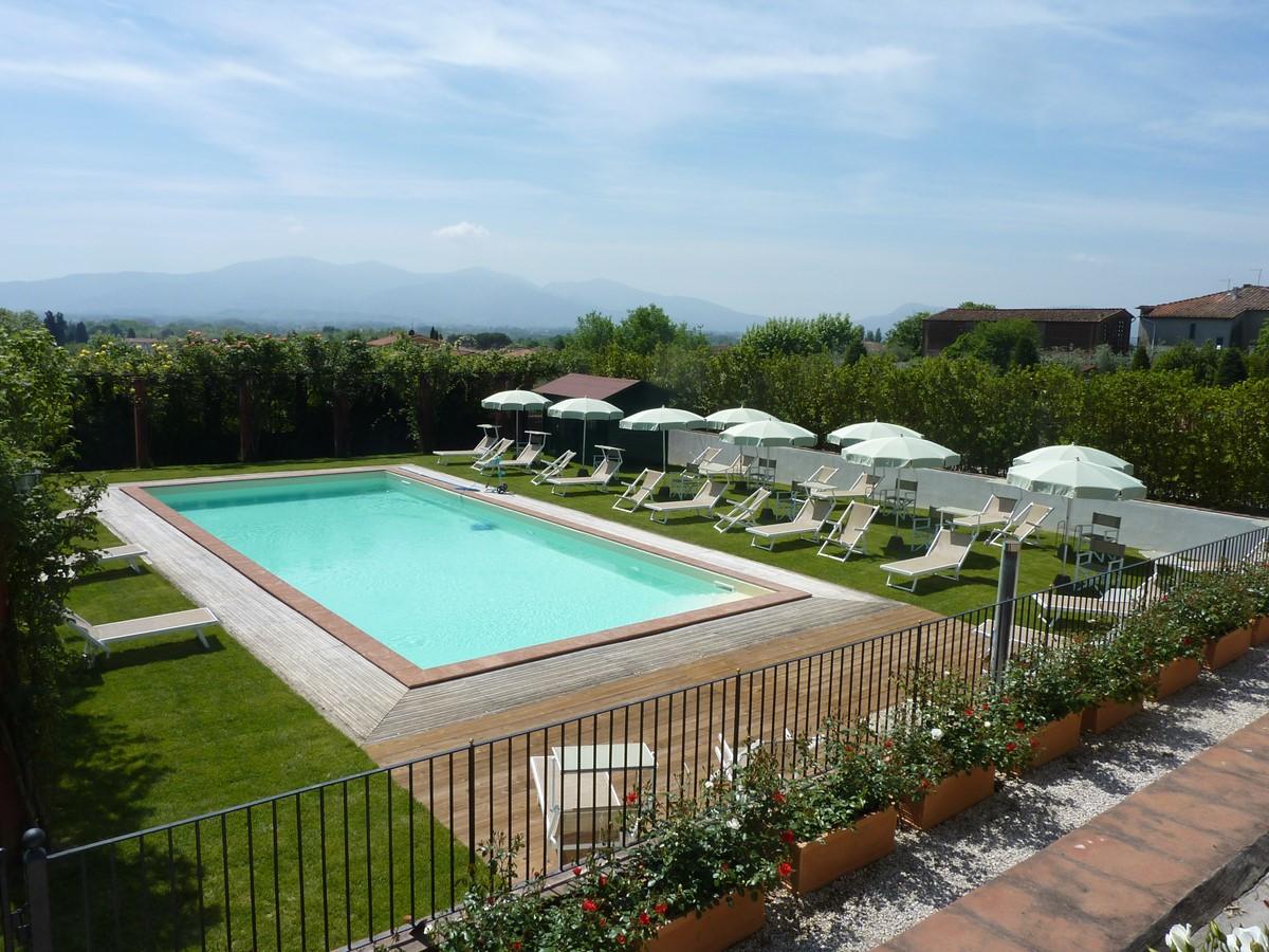 Luxury Villa Camaoire Lucca Italy 24