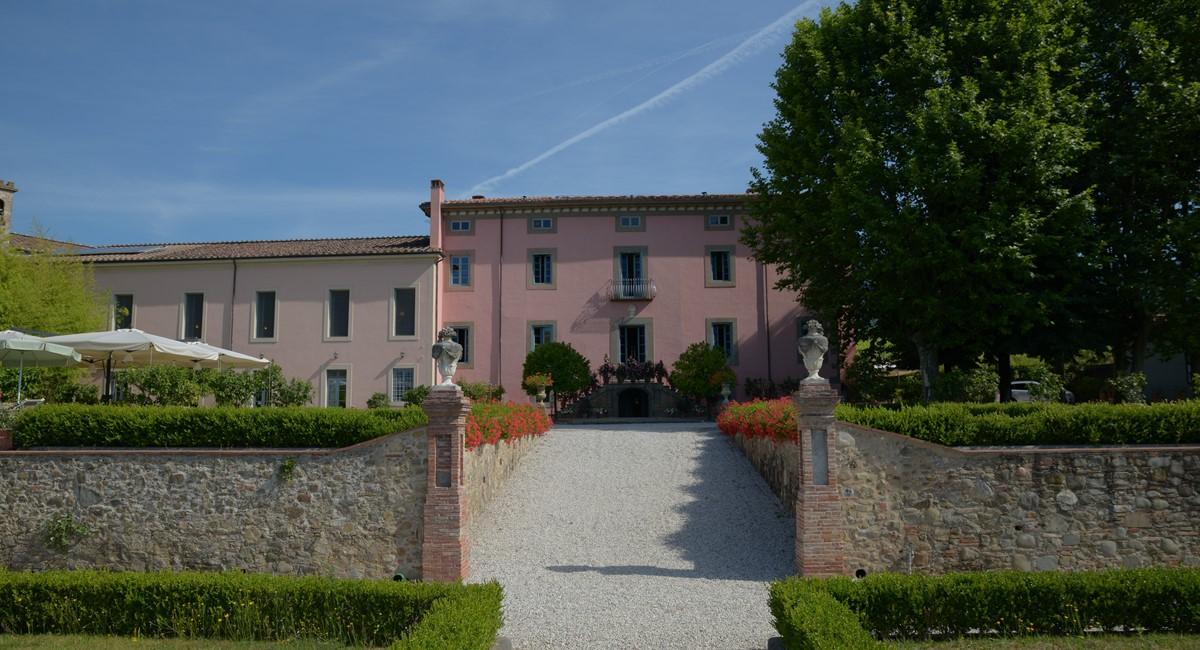 Luxury Villa Camaoire Lucca Italy 4