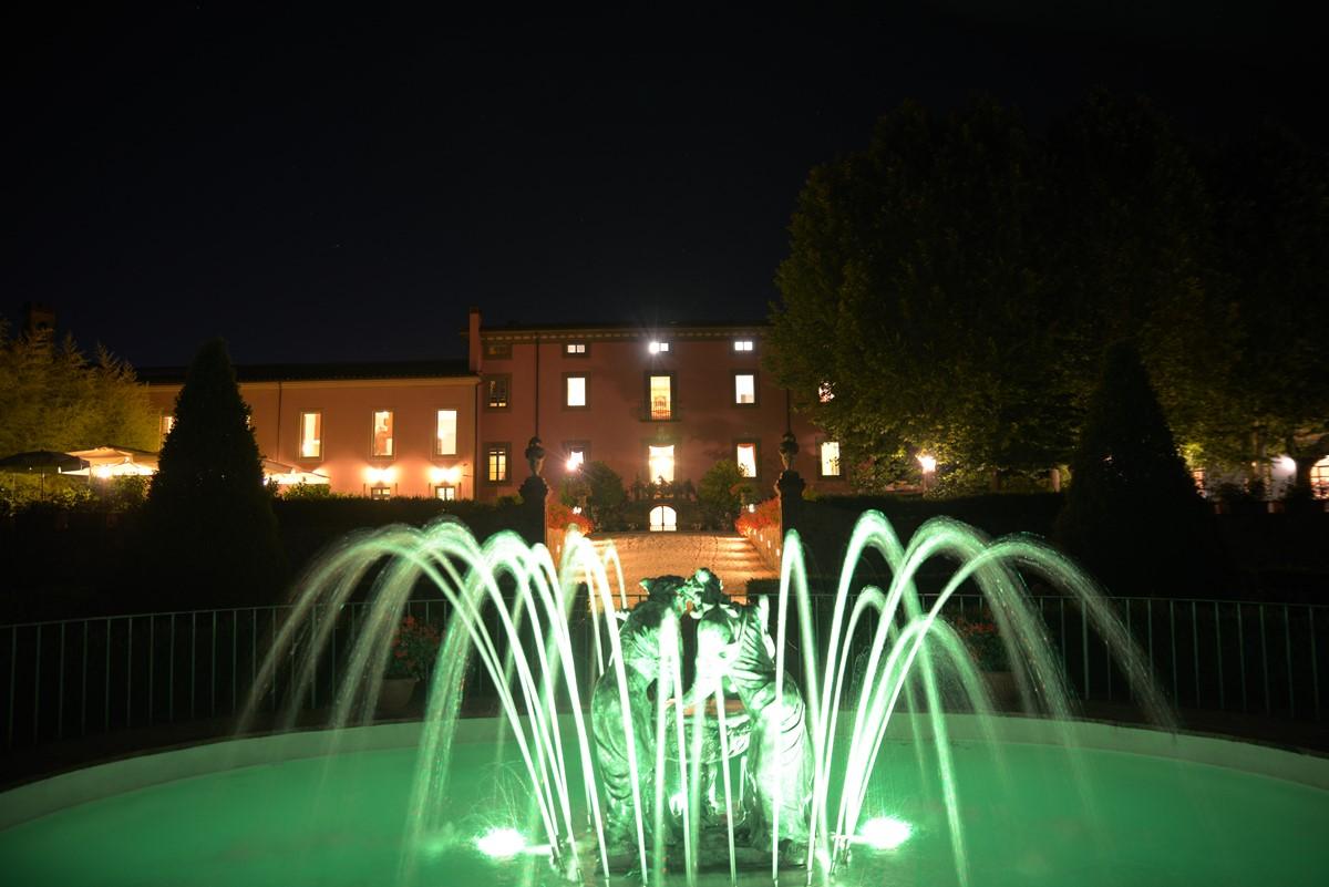 Luxury Villa Camaoire Lucca Italy 6