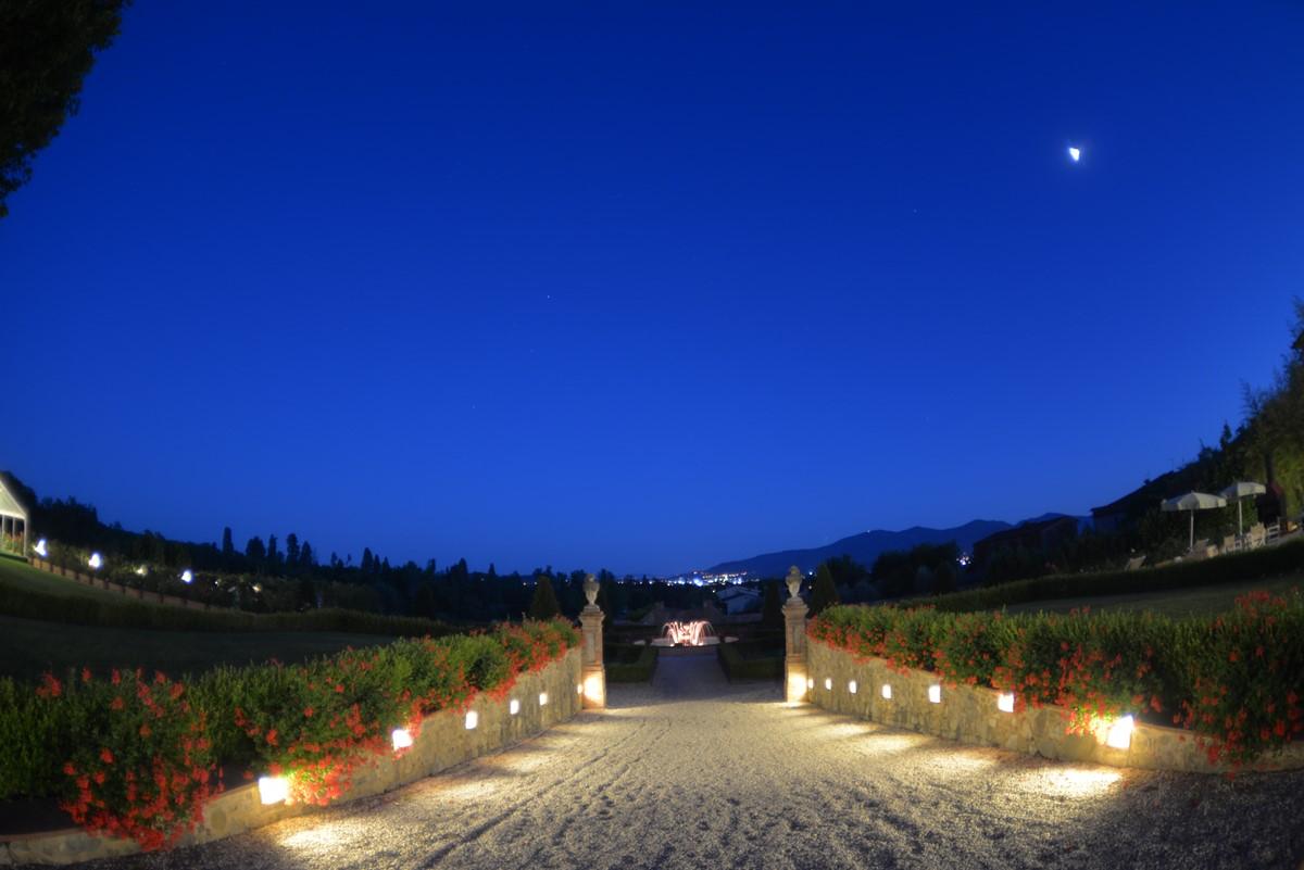 Luxury Villa Camaoire Lucca Italy 8